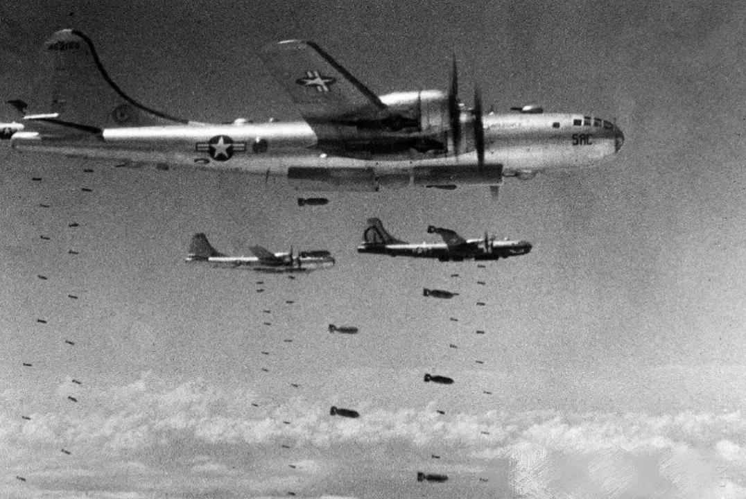 美国投下原子弹,日本人为何不恨美国?日本老人说了实话