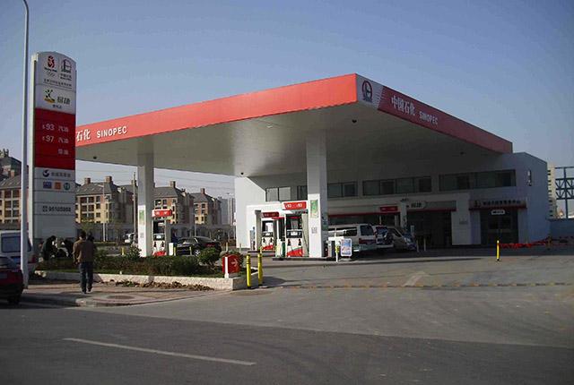 加油站赚钱暴利?其实每天花的钱更多,一天加多少车才能不亏钱?