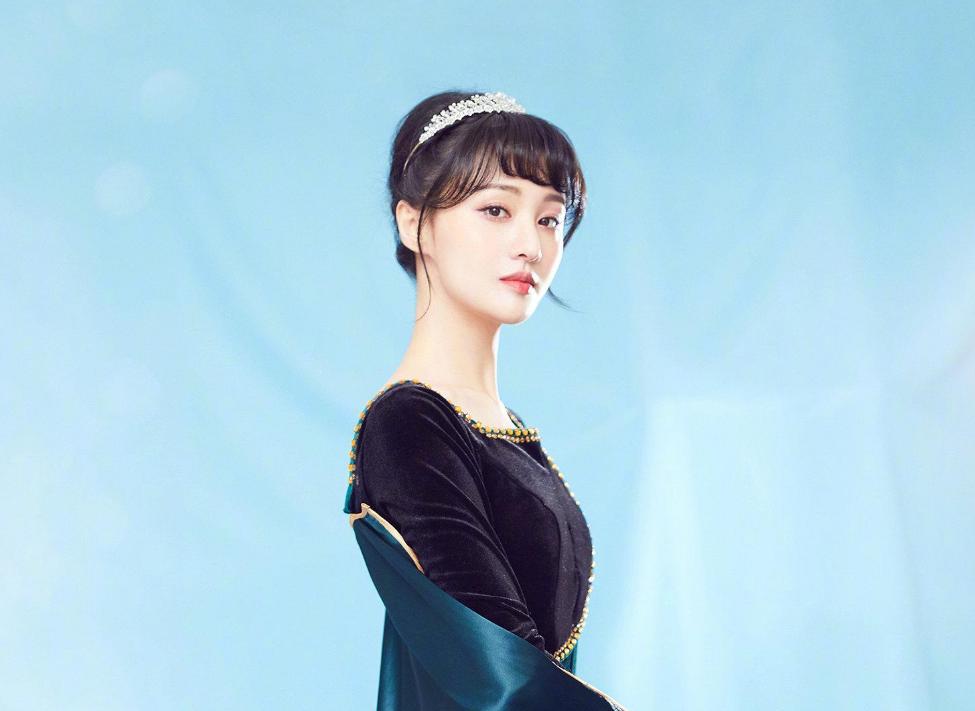 【郑爽演员身份被官方认证】疑似官司成功了,她的人脉都是大佬