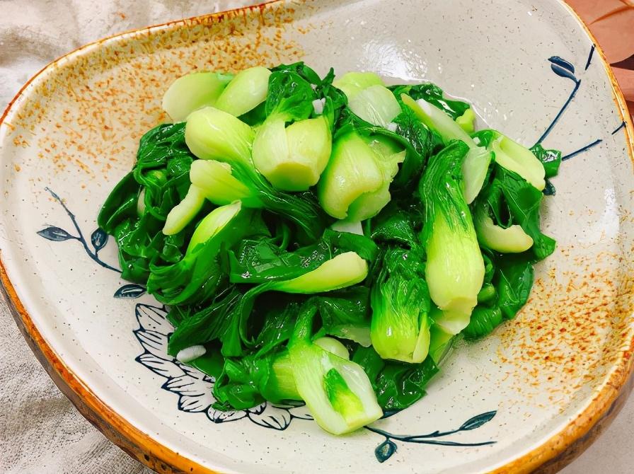 炒青菜,别直接下锅炒!牢记3步,不管炒啥菜,都翠绿鲜嫩,特香 美食做法 第1张