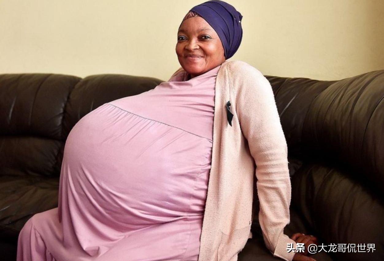 南非女子生下10胞胎,7个男孩3个女孩,打破人类生育纪录