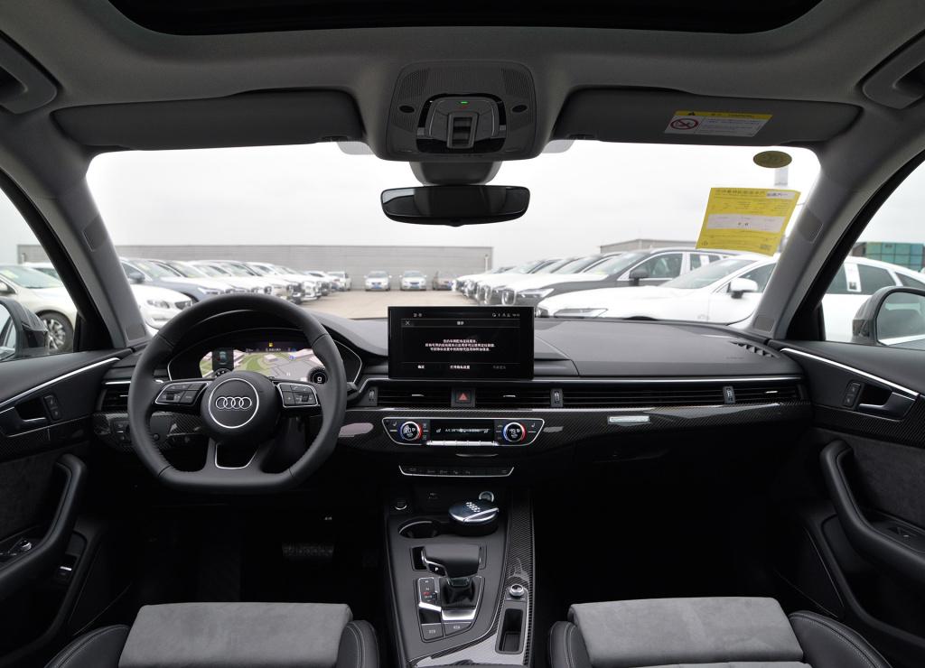 公路旅行车代表作:奥迪A4 Avant和沃尔沃V60,咋选?