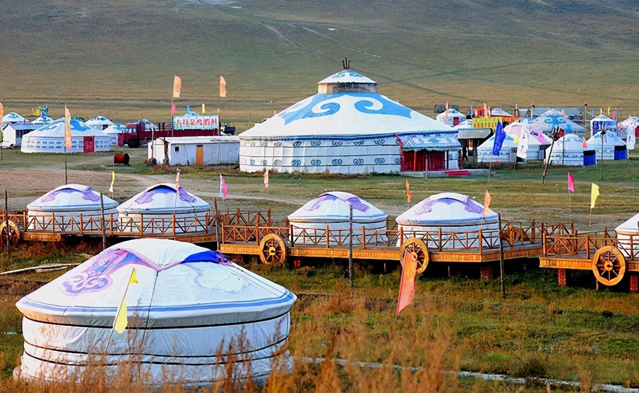 蒙古人一家都住蒙古包,想洗澡上厕所怎么办?听当地姑娘怎么说