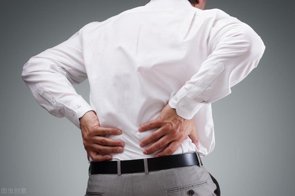 年纪渐长,走几百米便腰腿痛?警惕腰椎管狭窄症!