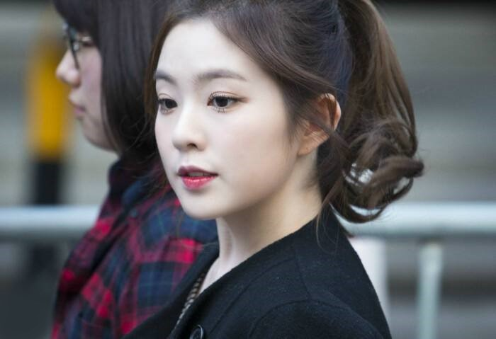 Irene裴珠泫被群嘲没素质:白长了这张脸