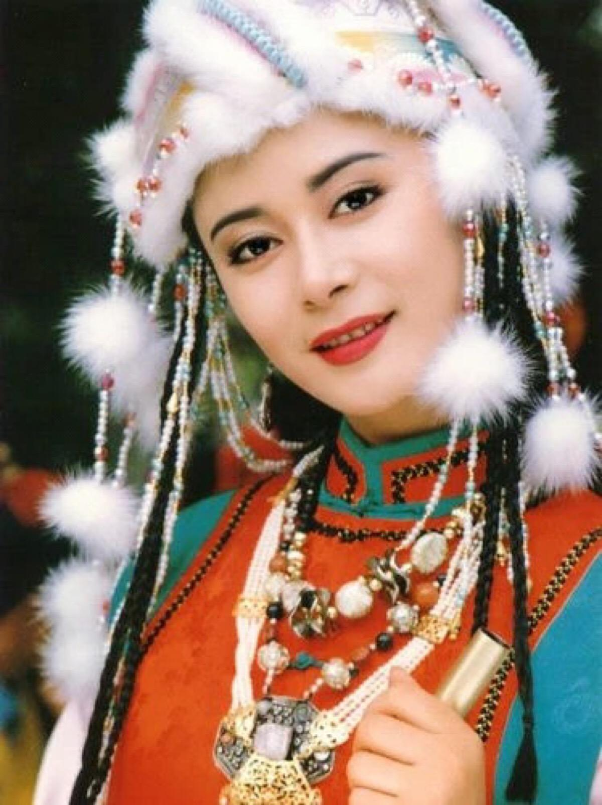 著名演员王挺辟谣:美女演员张恒不是我的妻子