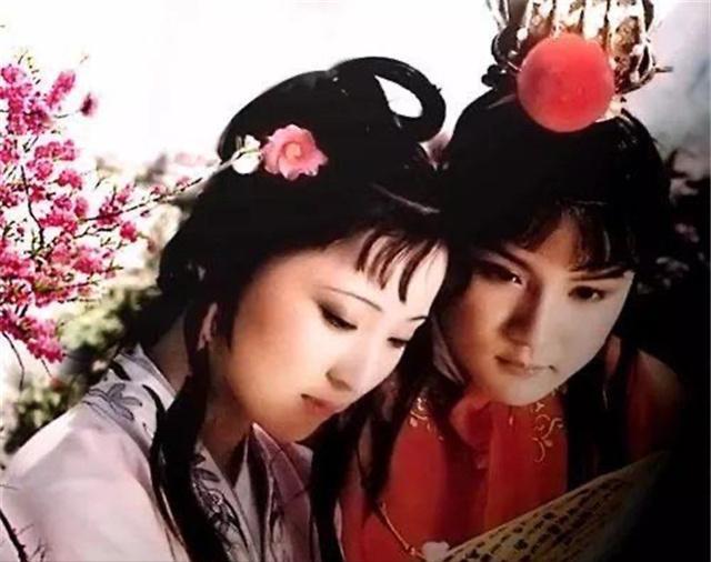 87版《紅樓夢》,歐陽奮強直呼她當年太漂亮,劇組小夥都暗戀她