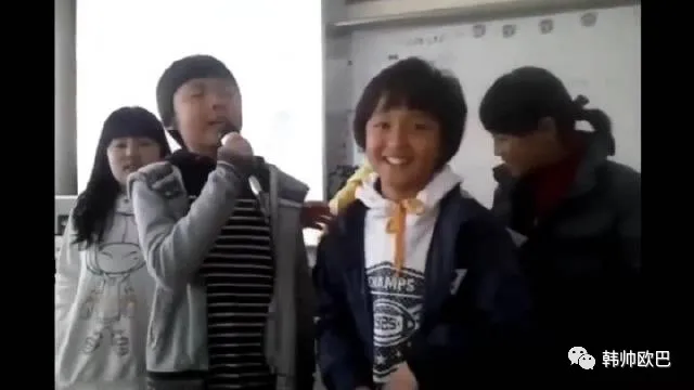 小学5年级时期演唱的这位男团爱豆,做艺人的天赋真是藏不住呀