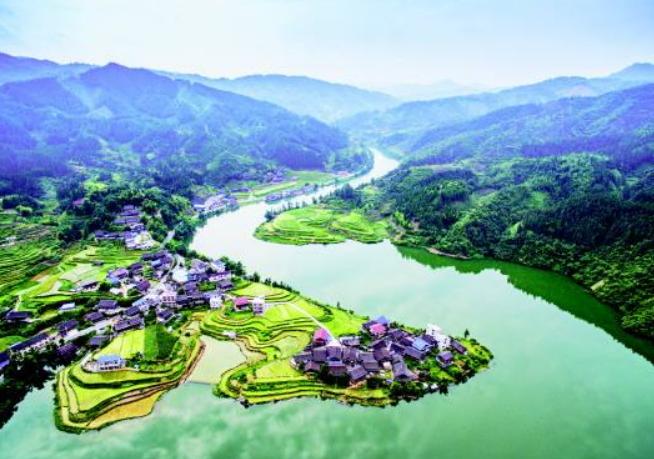 贵州省一个县,人口超30万,因为一条河而得名