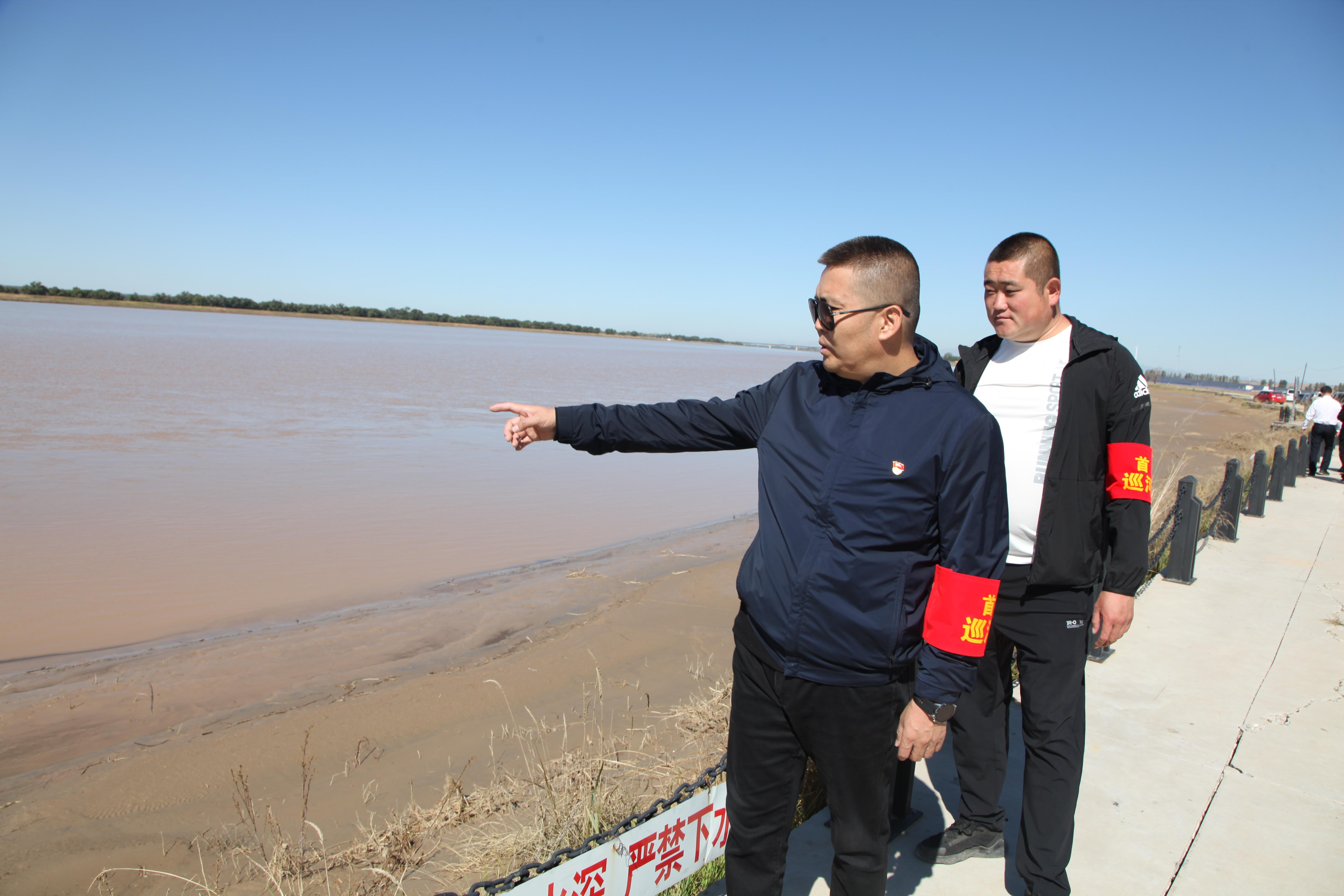 内蒙古保护母亲河志愿者服务活动引众关爱山川河流