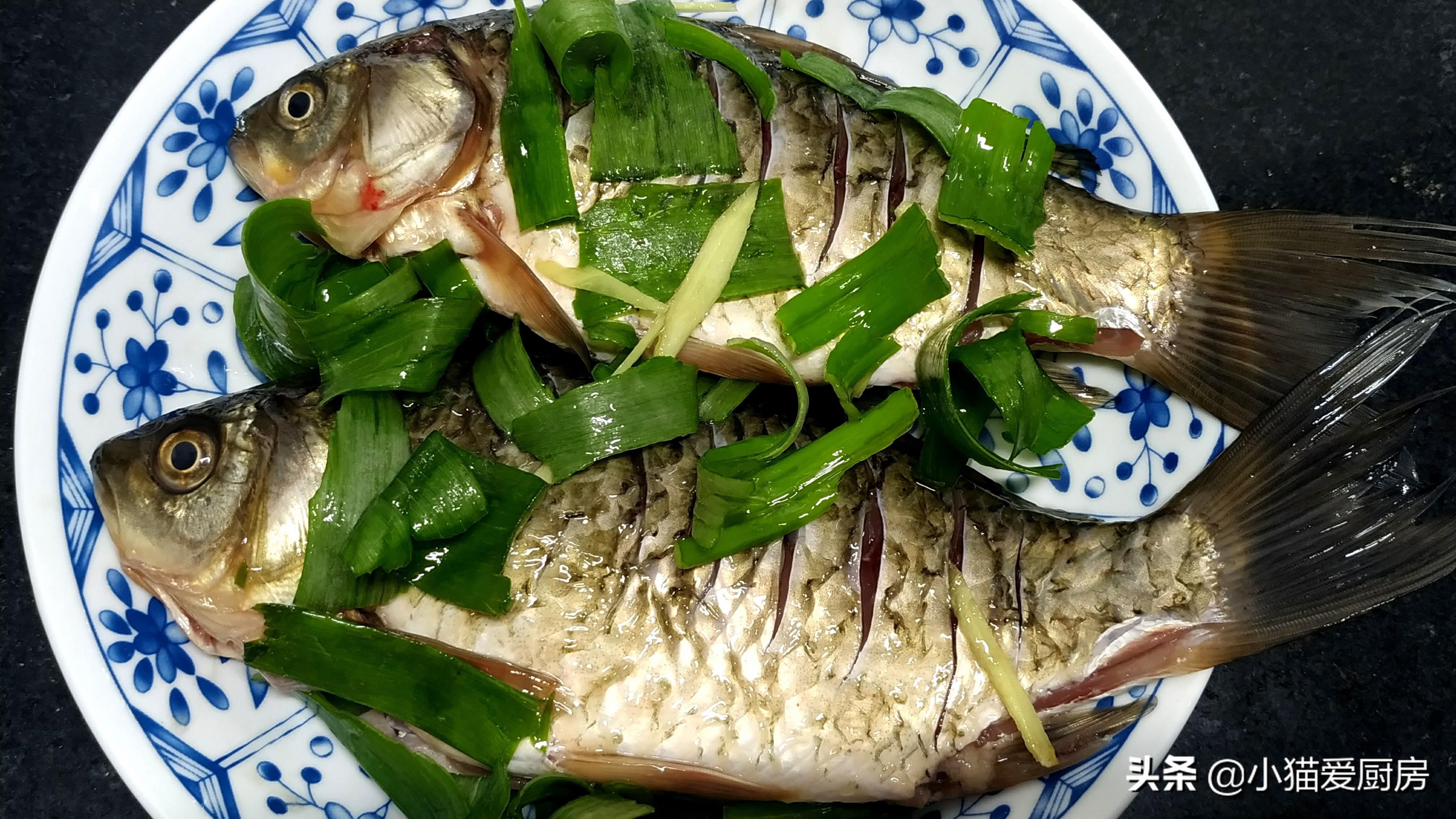 教你好喝的苦瓜鲫鱼汤 做法简单 味道鲜香 营养健康