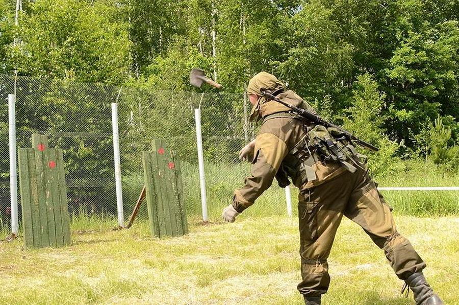 俄购买专利生产出一款工兵铲,立下赫赫战功,100多年不舍淘汰