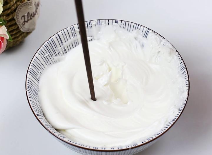 蛋糕在家就能轻松做,不加任何添加剂,五个鸡蛋就搞定,香甜软糯 美食做法 第6张