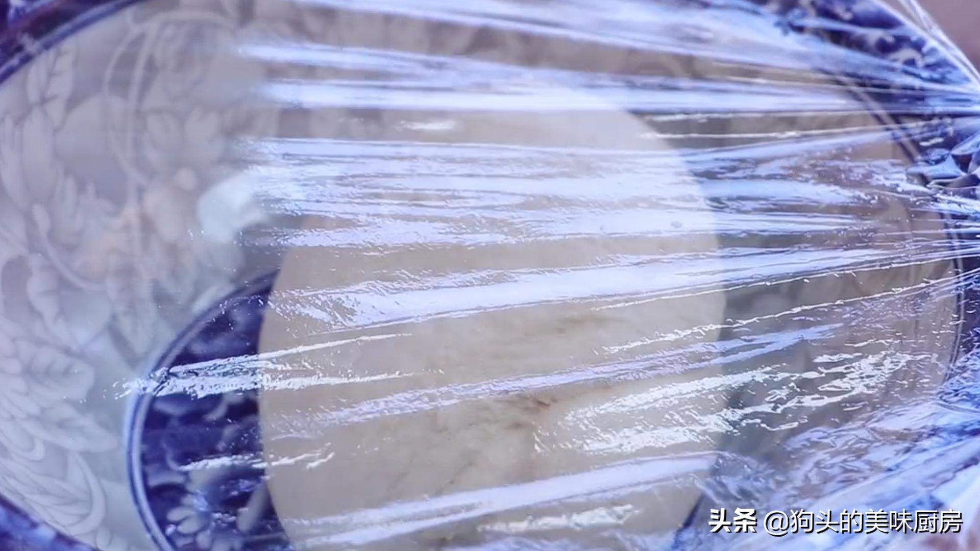 烙饼时,不要直接烙,多加这两步,饼柔软又起层,3分钟就能出锅 美食做法 第8张