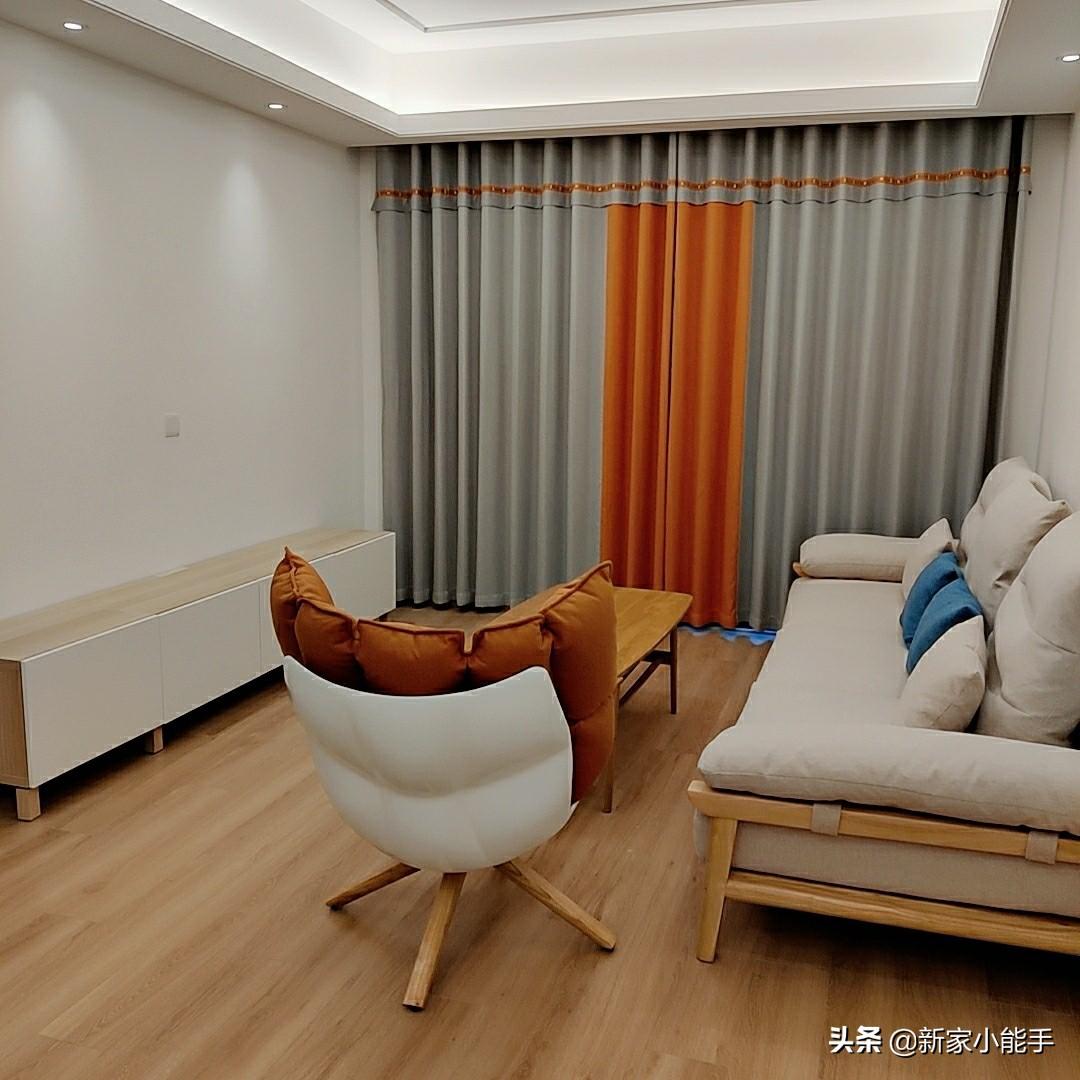 她家精装房,全屋定制家具花了不到5万,打扫干净很温馨,分享下