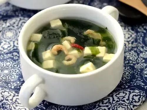裙带菜豆腐汤,美味低卡还减脂