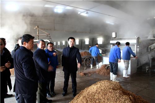 山东潍坊市审计局党组书记、局长张祖钊一行到密州酒业调研