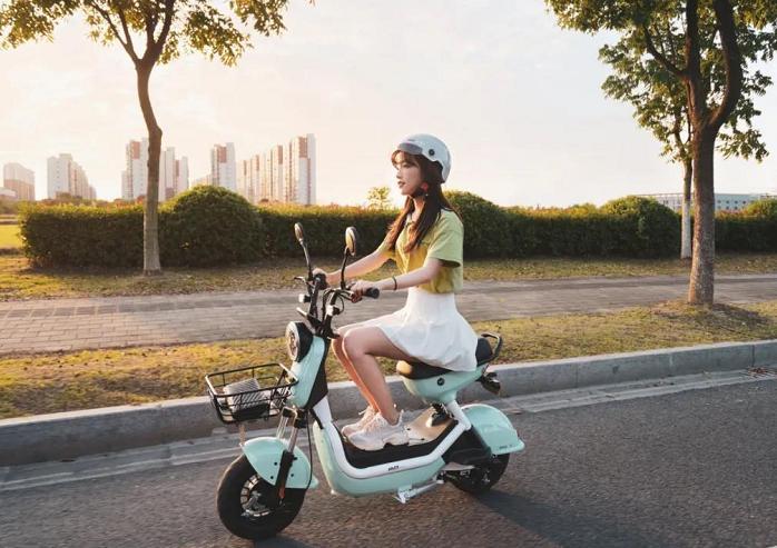 电动滑板车可以上路吗(电动滑板车2021新规)