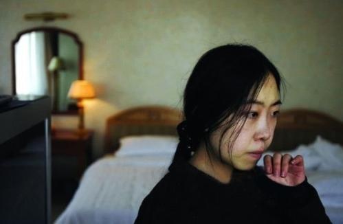 疯狂追星13年致家破人亡,发誓终身不嫁的杨丽娟,近况令人唏嘘