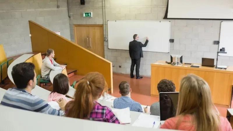 官宣!爱尔兰大学生于9月返校,返校前将进行疫苗接种