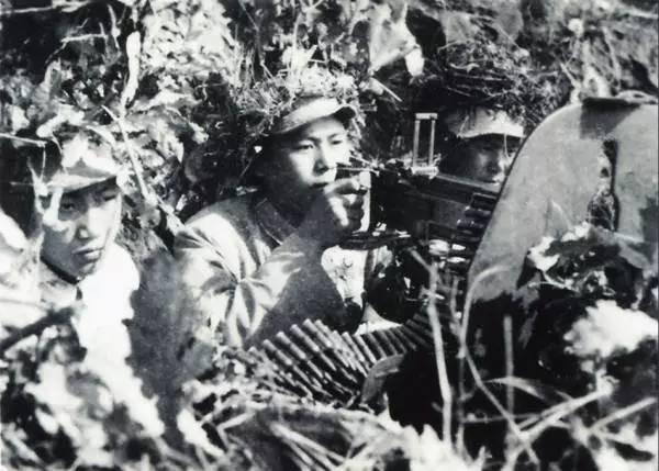 美国老兵回忆上甘岭:那个中国人到底喊的什么?炸死这么多美国兵