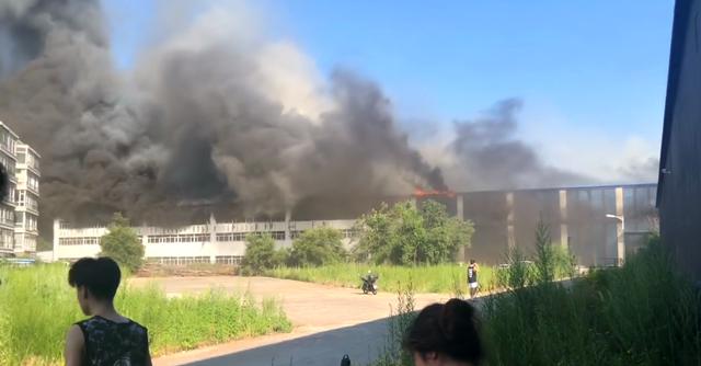 长春一物流仓库发生火灾,多人死亡多人重伤!火灾当中如何自救?