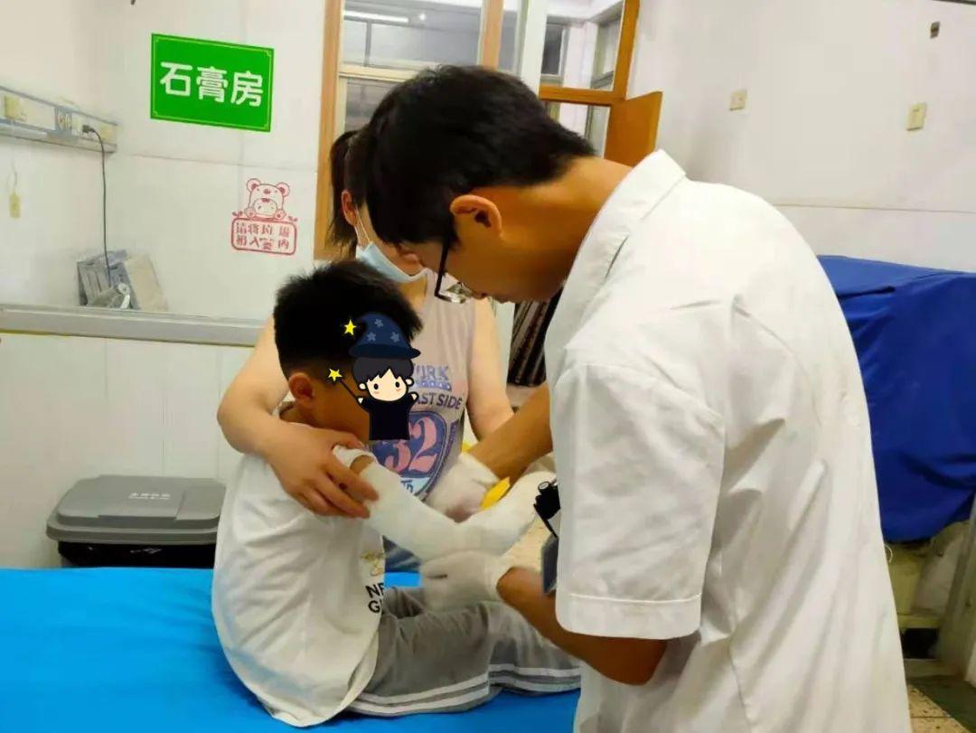 江西省儿童医院骨科专家:孩子骨折时应该这样处理