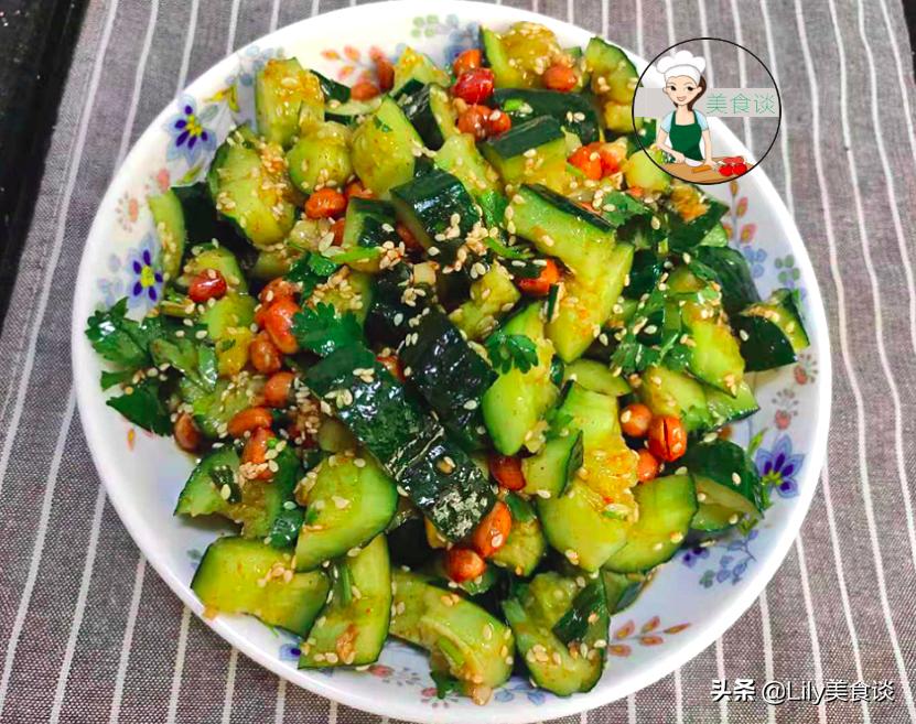 夏天做拍黄瓜,切好别直接拌!多做一步骤,黄瓜爽脆又入味,收藏 美食做法 第3张