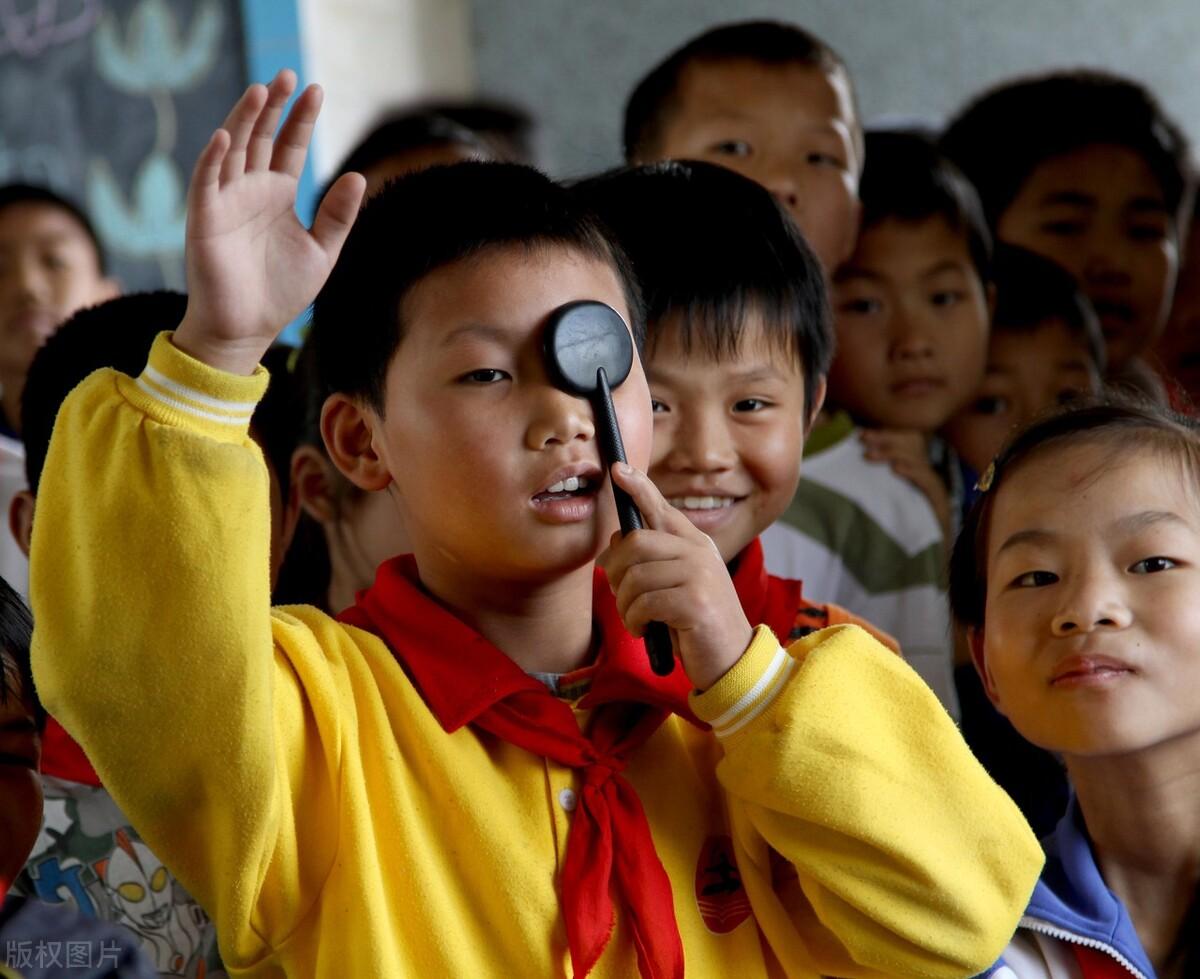 疫情之下,澳门学生的视力堪忧,澳门议员要求当局出台促进本澳学生视力健康规划