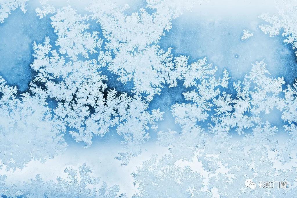 「彩虹门窗」冬季如何解决双层玻璃起雾这大问题?