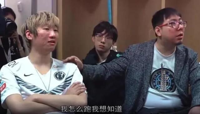 IG放后台视频,宁王和theshy发生口角,语言不通也能吵架