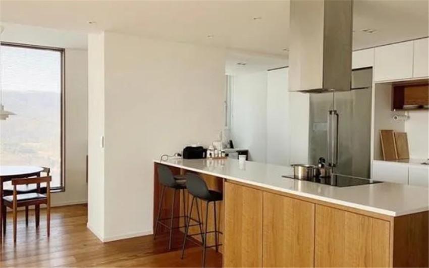 韩国人厨房台面空无一物但收纳空间却不少?全靠主妇这2大规划法