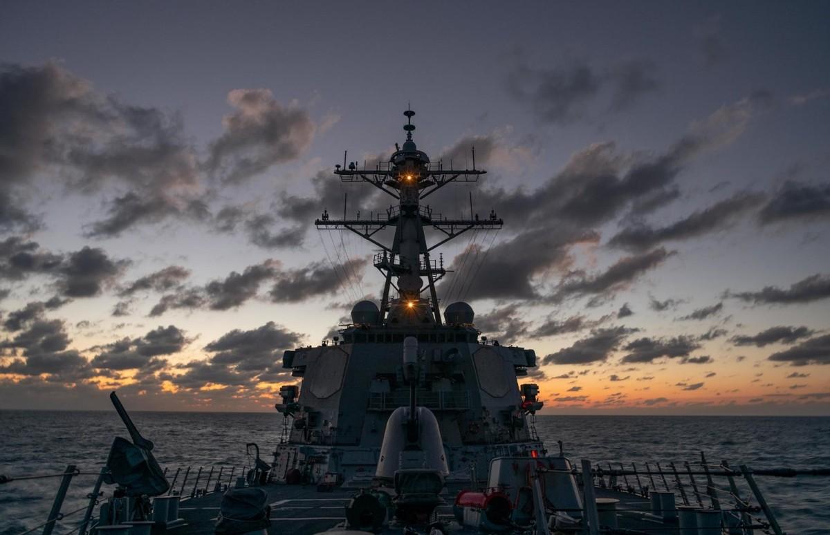 """美军穿航台海,我军用行动""""亮剑"""":战场上拿不走的,恐吓更没用"""