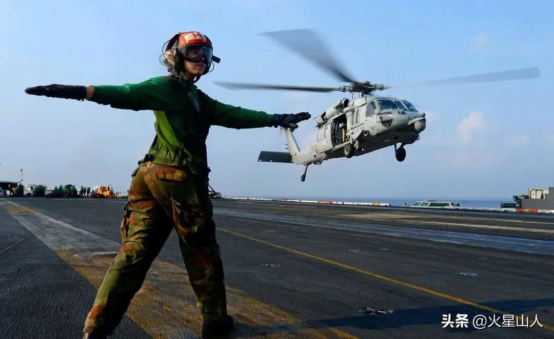 美国航母为啥要配备500名女兵?少一个都不走