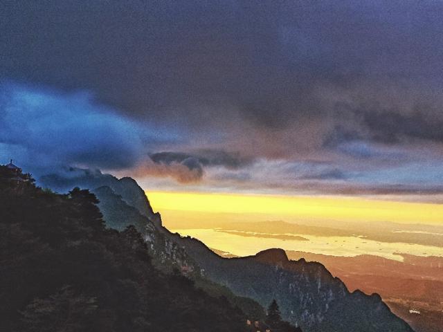 庐山的日出