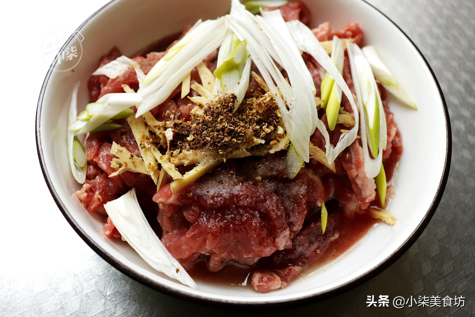 牛肉別總煮著吃了,教你小酥肉的做法,外酥里嫩一口一個嘎嘣脆