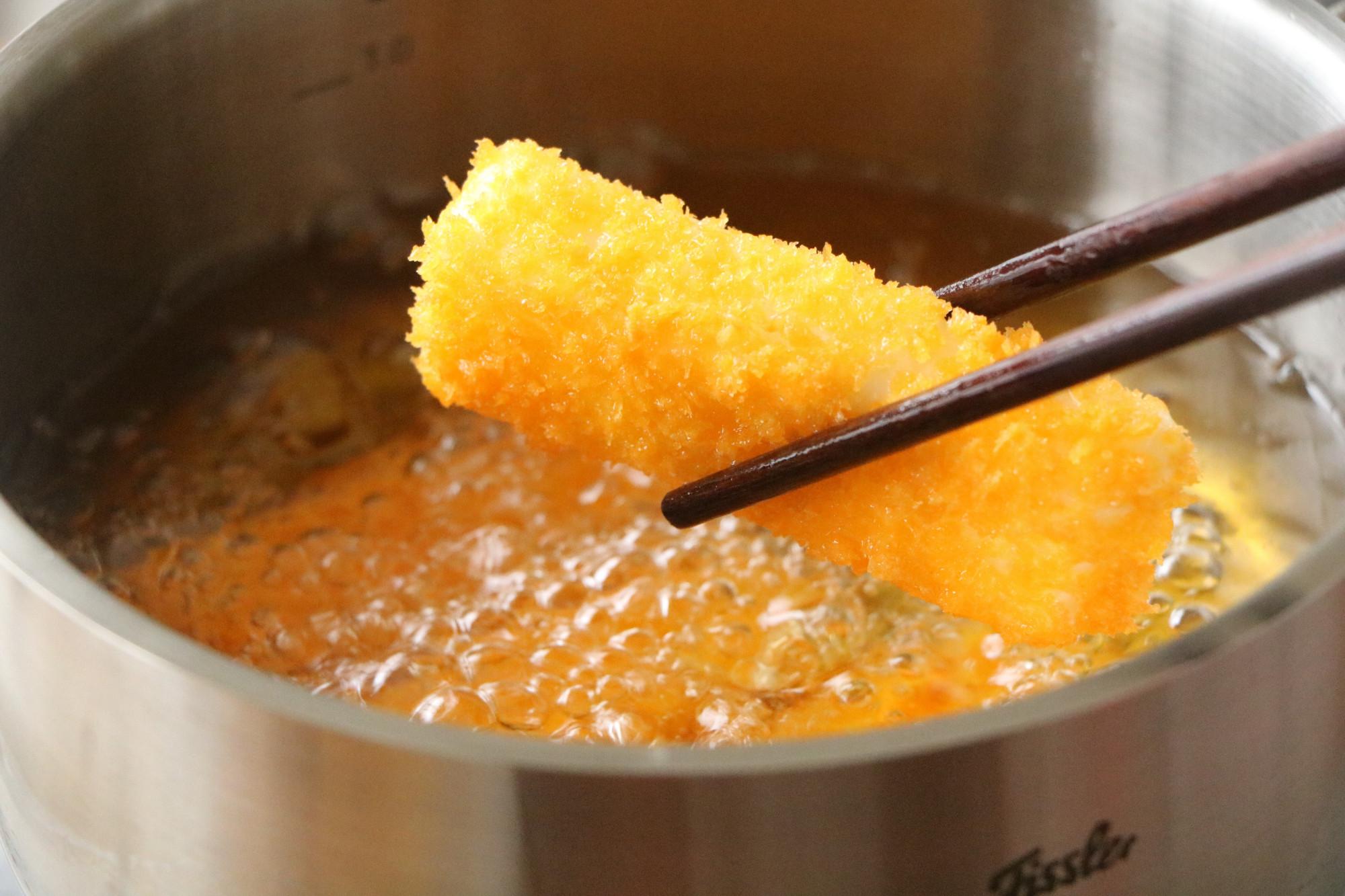 上桌必抢的炸鲜奶,学会回家做给家人吃,简单0失败,解馋又好吃