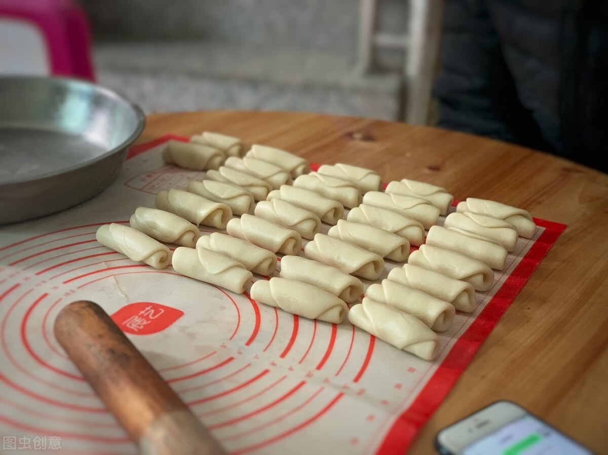 绿豆别再煲汤了,换个新吃法,清凉解暑无添加,又香又甜酥掉渣