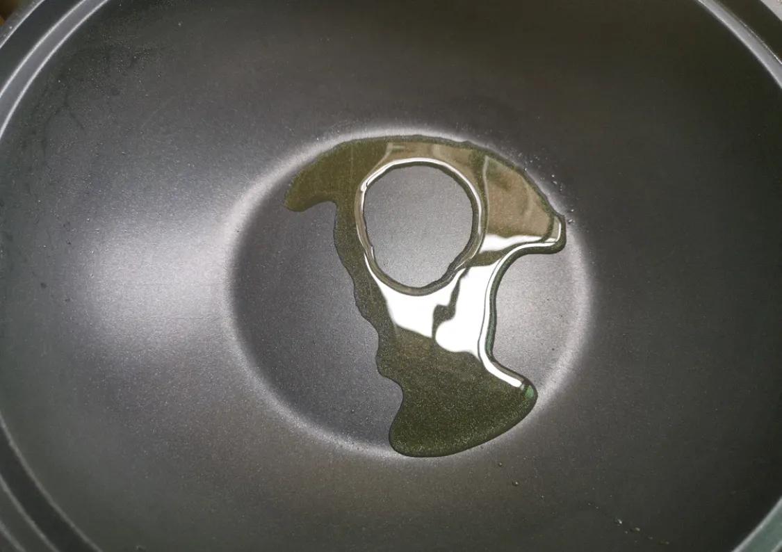 丝瓜是个好东西,超简单的炒丝瓜教学 美食做法 第5张