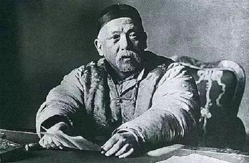 他的名字常被朱老总挂在嘴边,忠于大清,手下却有一帮革命将领