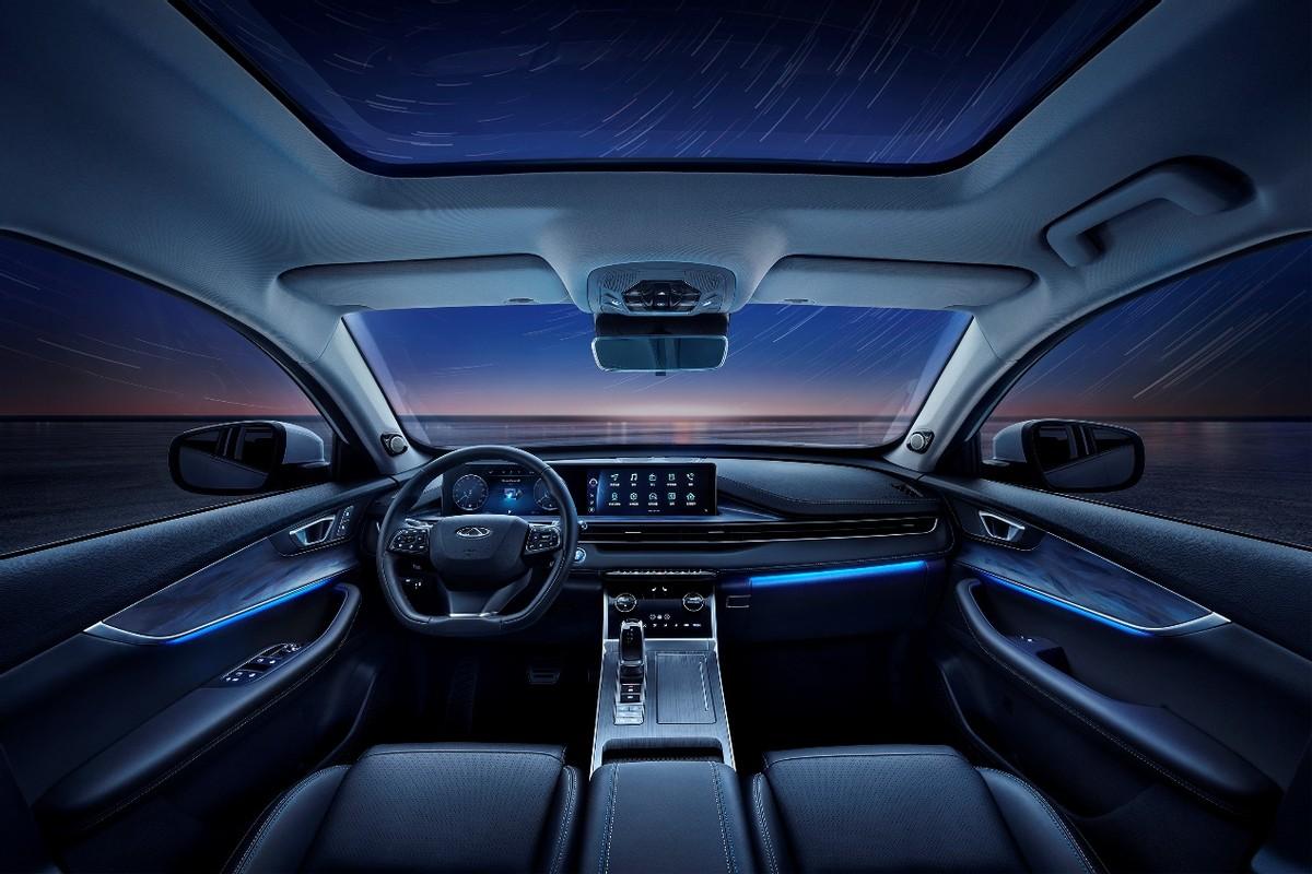 瑞虎7 PLUS标配超舒适、超智能的智慧娱乐座舱,超越欧尚X5