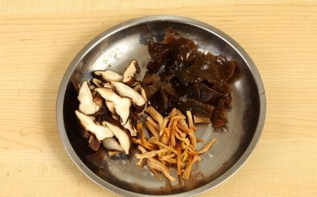 教你做京味打卤面简单易学连着吃一周都不烦一大碗都不够吃