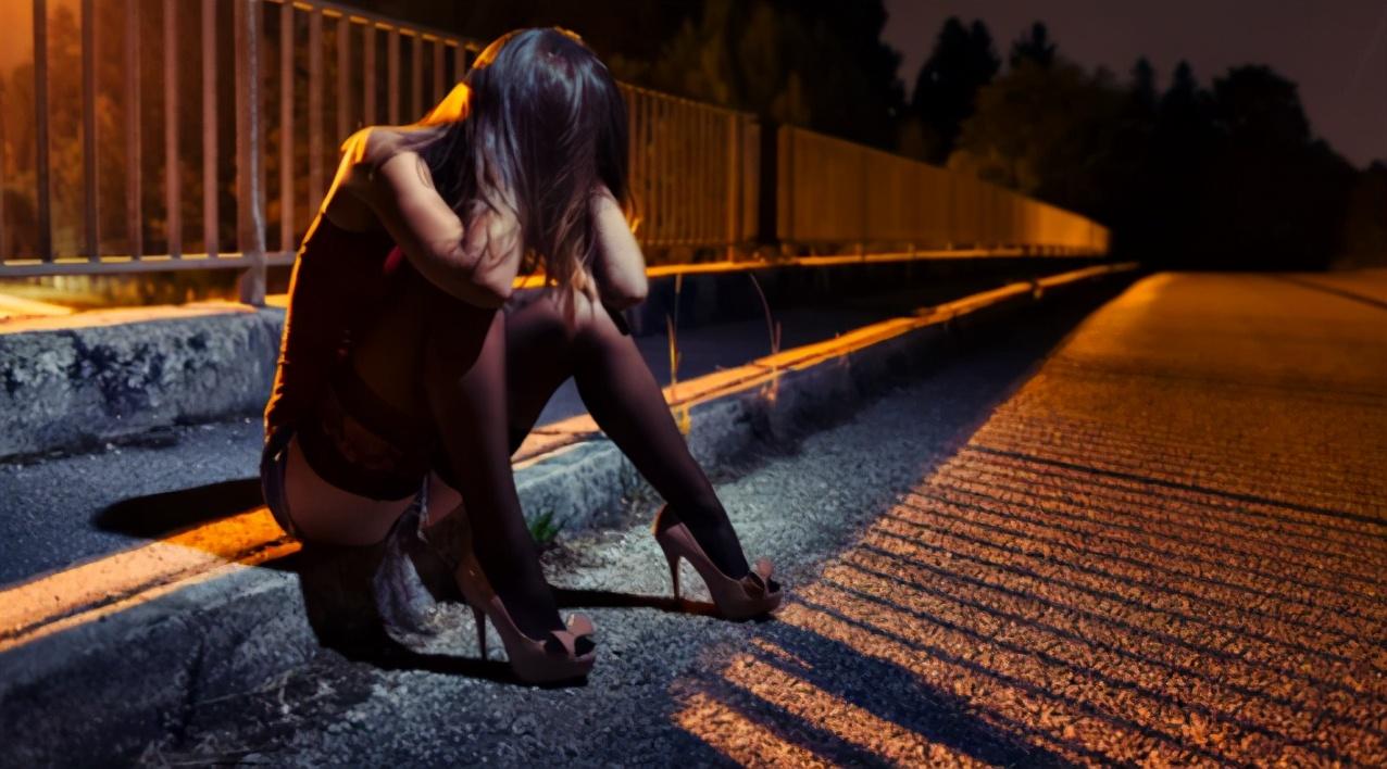诱拐女孩强迫卖淫,怀孕都要接客…这里的人做梦都想当皮条客