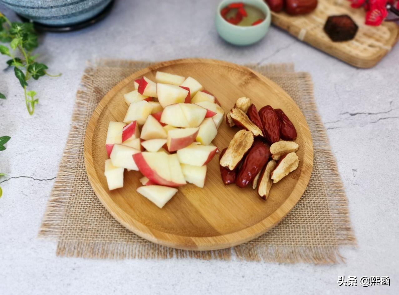 春天,把苹果和红枣一起煮,隔三差五喝几次,作用真不小 美食做法 第8张