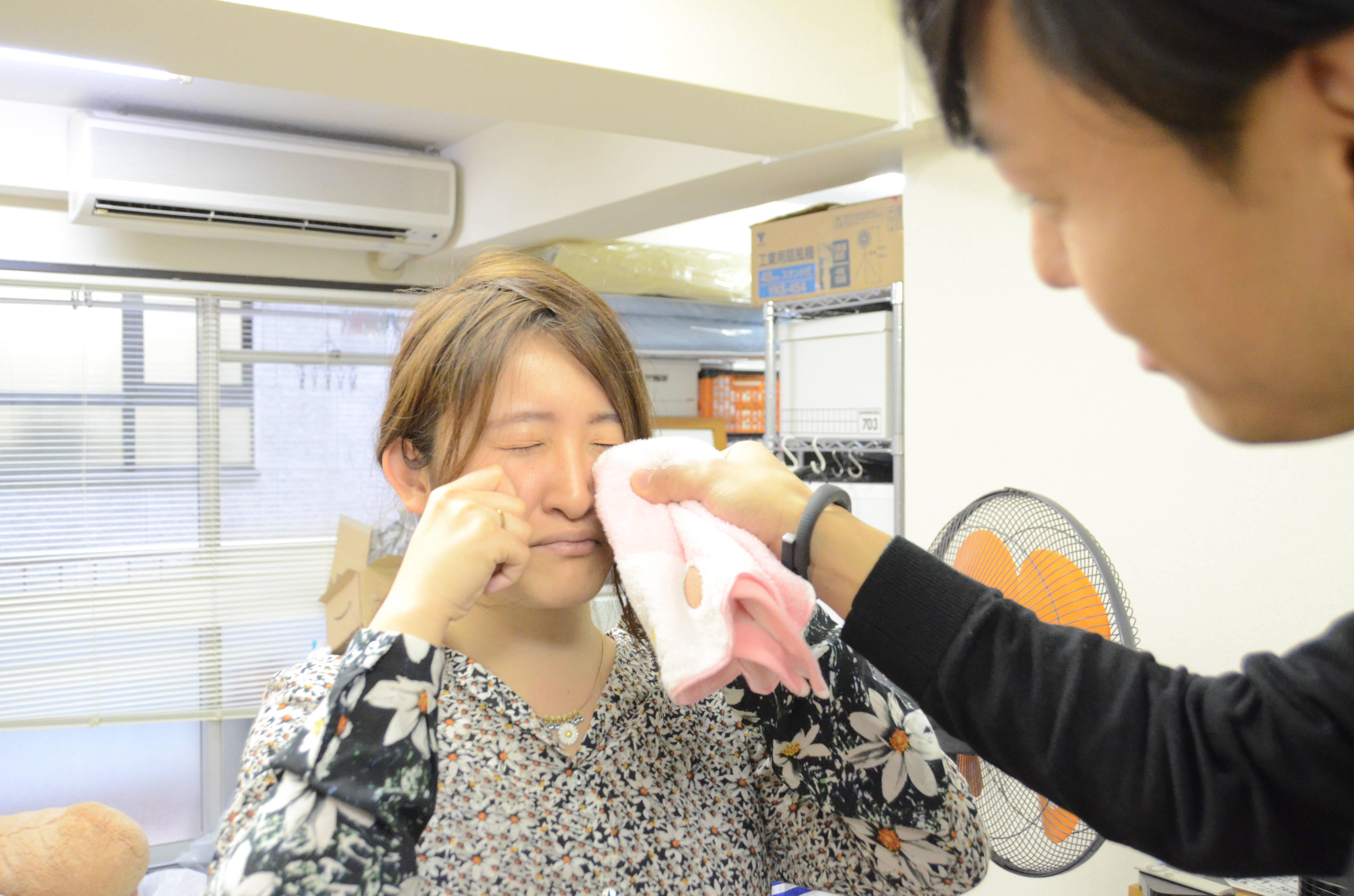 """日本流行""""上门陪哭服务"""",让帅哥帮你擦眼泪!备受女性欢迎…"""