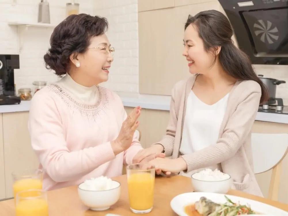 婆媳关系之殇,硬要把没有血缘关系的两个女人放在一张桌上吃饭
