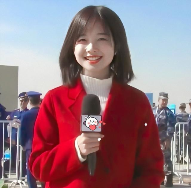 王冰冰走红后,央视又出两大美女,网友笑称:央视掌握了收视密码