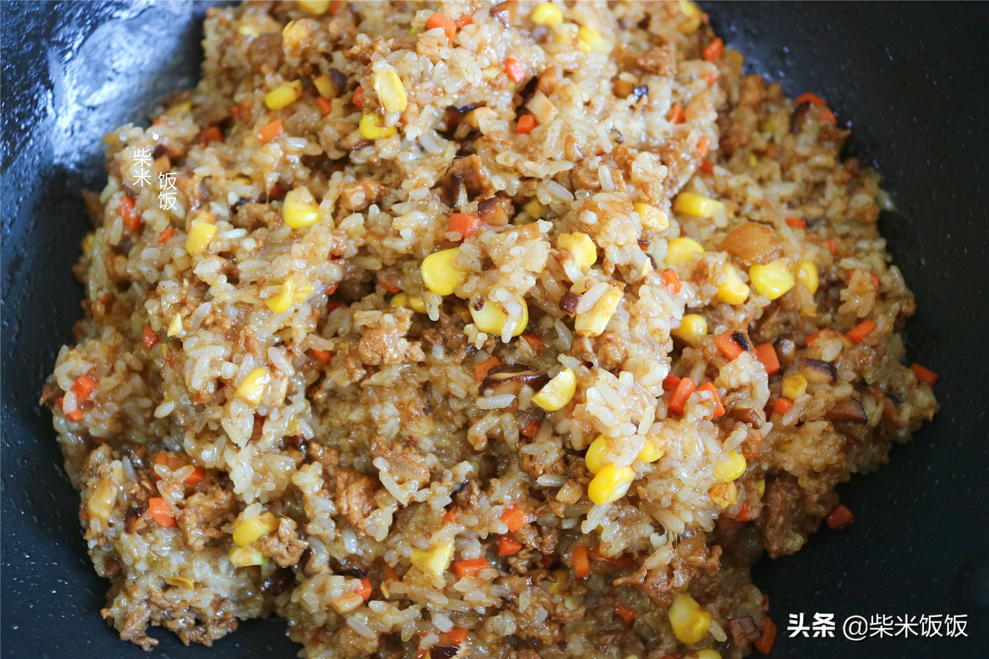 孩子點名要吃的燒麥,做法比餃子簡單,一鍋蒸33個,涼了也好吃