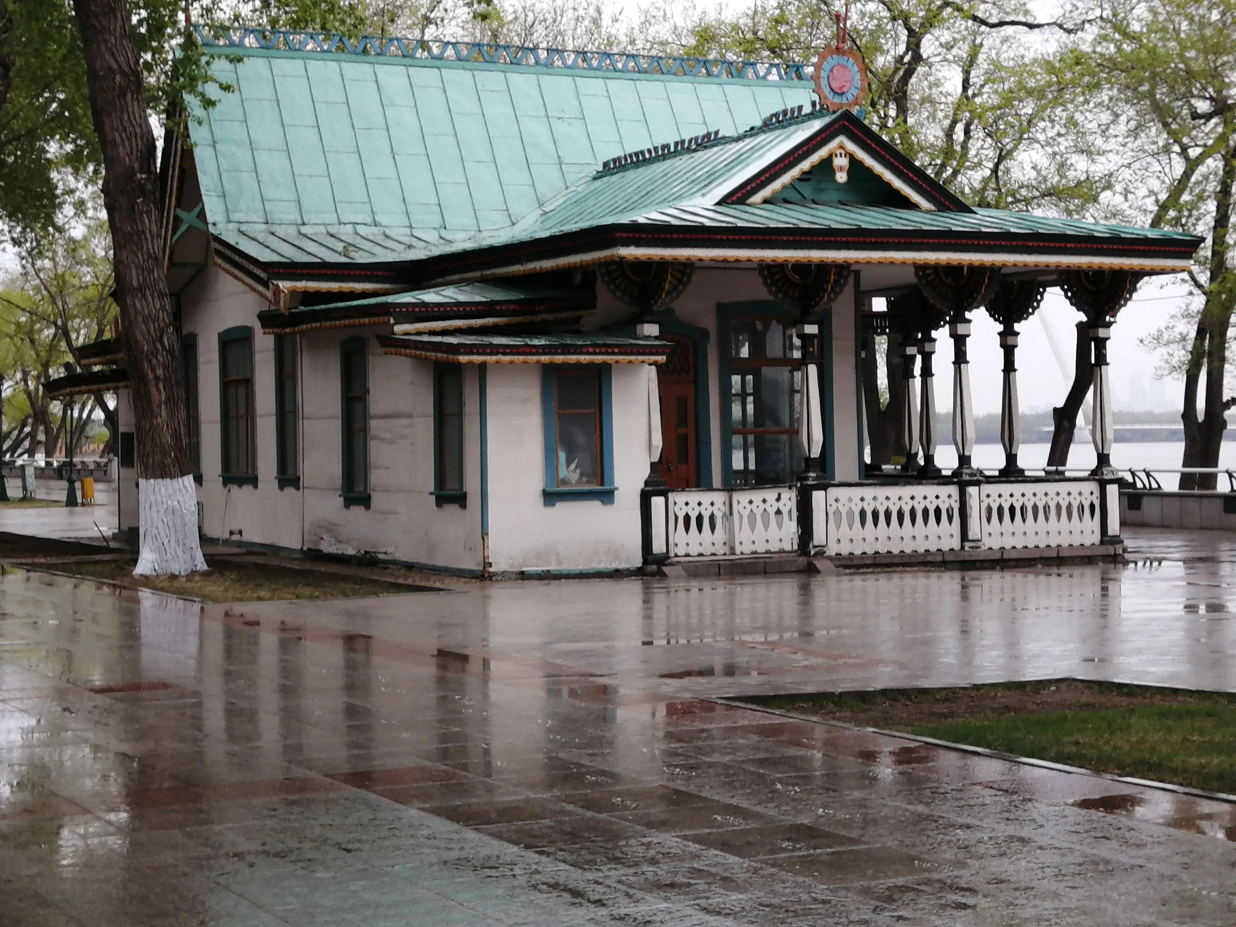 哈尔滨雨后的景色