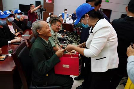 2021年昆明市慈善总会携手云南晓圣公益基金会